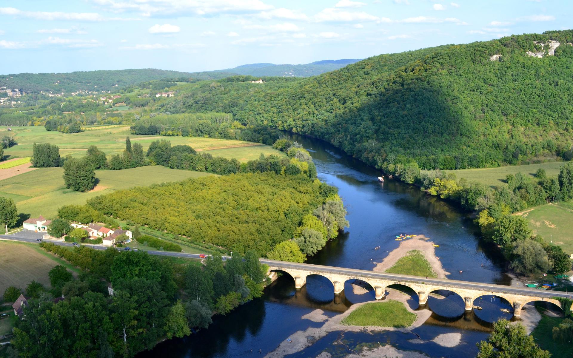 Dordogne River Paddleboarding Holiday